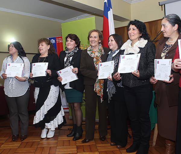 En emotivo acto mujeres de La Unión recibieron certificación por participación en Talleres de Habilitación Laboral