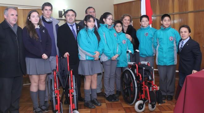 Rotary Club donó sillas de ruedas a establecimientos educacionales de La Unión