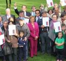 Subsecretario de Bienes Nacionales y alcaldesa entregaron títulos de dominio a familias de La Unión