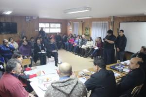 Concejo sesionando en el sector de Los Leones