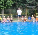Municipio señala que cursos de natación para niños están cerrados y anuncia realización de primer curso para adultos